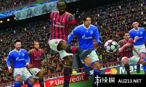 《实况足球2014》PSP截图