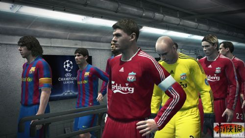 《实况足球2010》游戏截图1-9