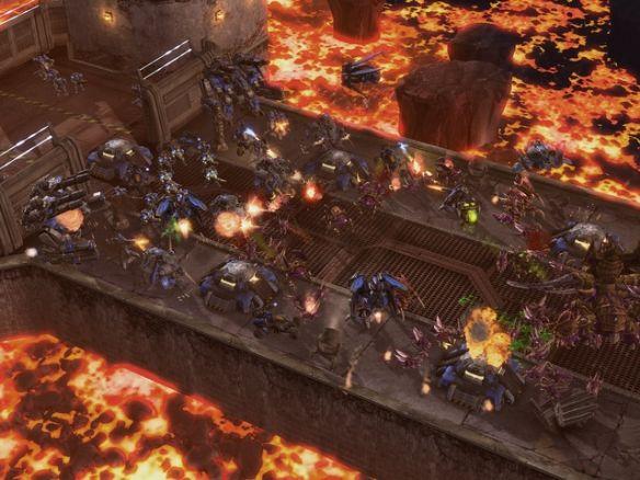 《星际争霸2:虫群之心》游戏截图4
