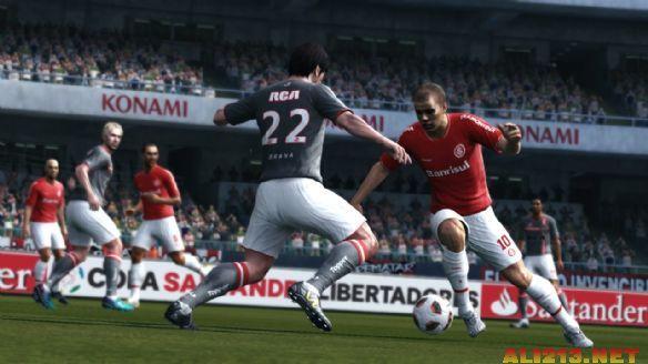 《实况足球2012》游戏截图4