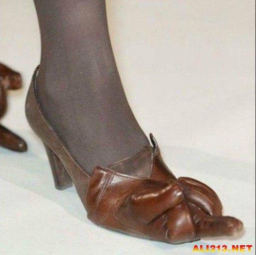 脚趾富贵图
