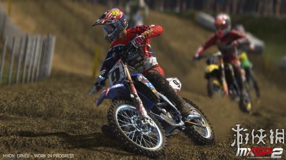 《越野摩托2:官方越野赛》游戏截图