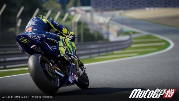 《世界摩托大奖赛18》游戏截图
