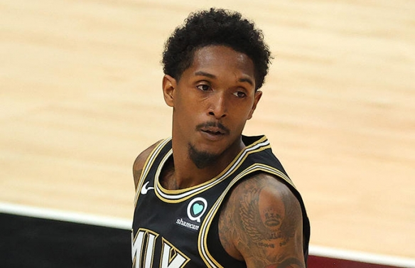 NBA2021季后赛东决G4老鹰2:2雄鹿扳回一城特雷杨缺席 字母哥伤退